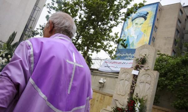 Иранските християни бягат към България
