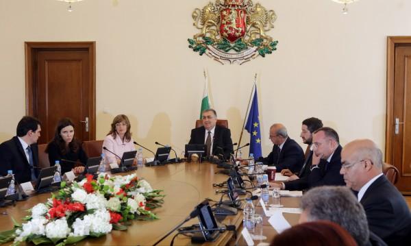 Служебният кабинет ще направи преглед на областните управи