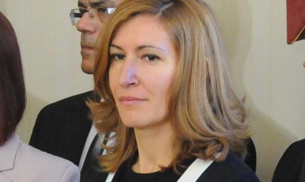 Ангелкова уволнява за незаконни действия в транспорта