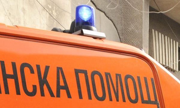 Двама работници пострадаха при проверка на резервоар