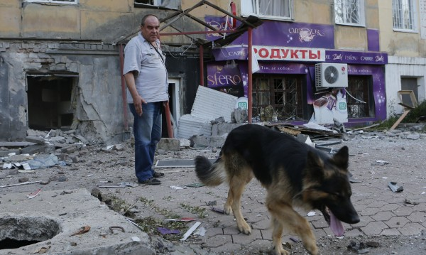 Луганск втора седмица е без вода и ток, не работят телефоните