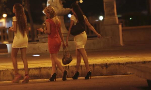 Разбиха BG мрежа за трафик на проститутки в Майорка