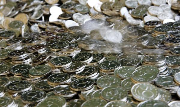 Лихвите по новите депозити продължават да спадат