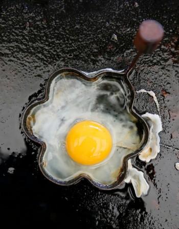 Яйцата ни помагат да сме слаби