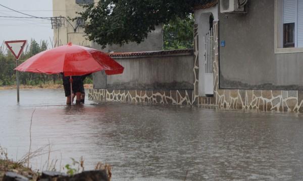 """Без такса """"смет"""" за най-пострадалите от наводнението в Добрич"""