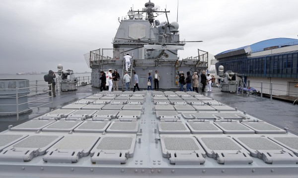 Руски изтребители са кръжали около канадски военен кораб