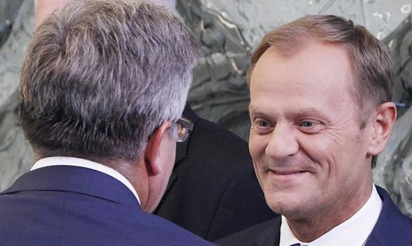 Туск подаде оставка, за да стане председател на Европейския съвет