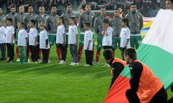 """""""Лъвовете"""" гризнаха азерите към Евро 2016"""