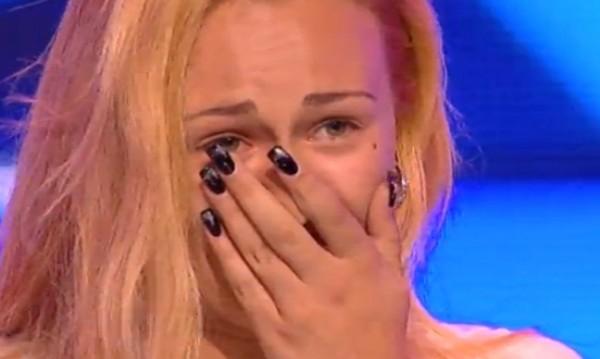 X Factor започна с контузия и флиртове