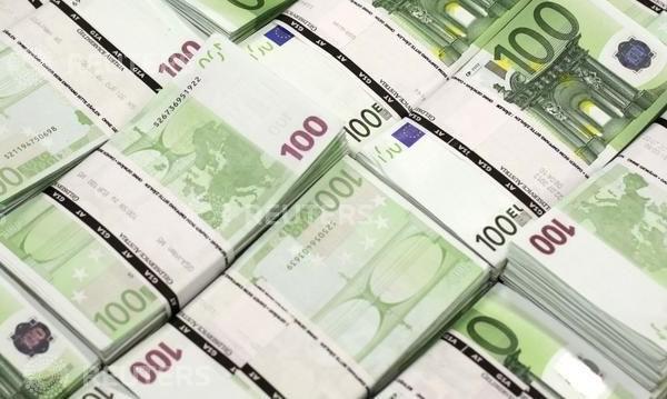 Кабинетът дава до 750 млн. лв. за спрените европрограми