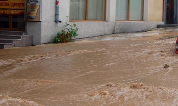 Над 50 сигнала за наводнения подадени в Пазарджишко