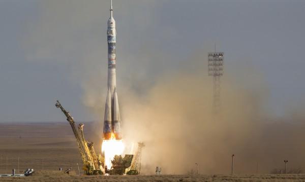Русия възстановява космическата база в Крим