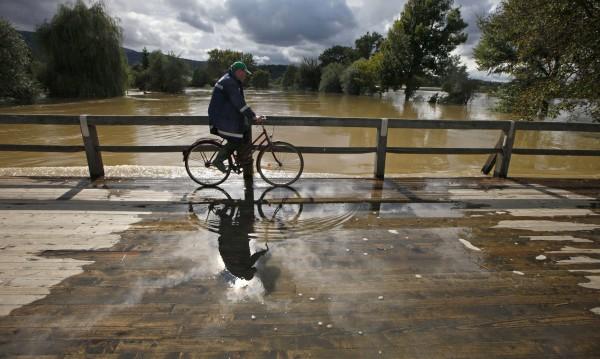 Създадоха велосипед, който се движи по вода