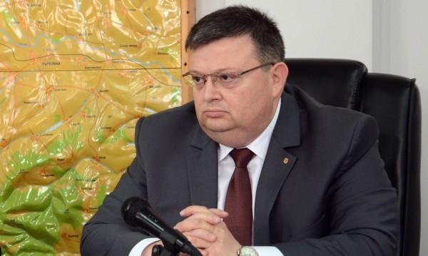 Цялата истина за КТБ ще излезе в съда, зарече се Цацаров