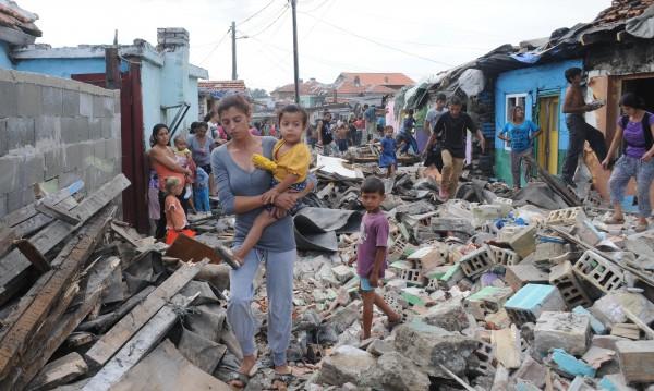 "Събориха 20 незаконни постройки в бургаския квартал ""Победа"""