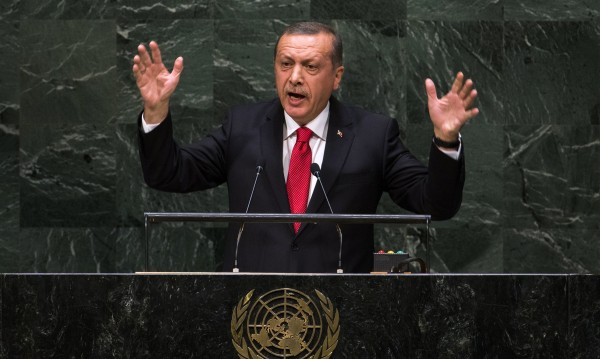 Светът не прави достатъчно за спиране на потока чужди бойци към Сирия
