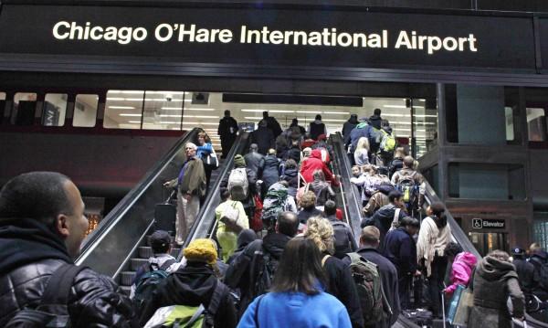 Пожар парализира две летища в Чикаго