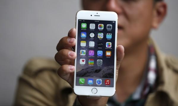 Нова батерия, още памет - какво Андроид може, а iPhone - не