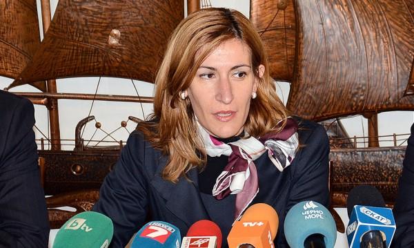 Синдикалисти срещу Ангелкова: Не е редно хора да бъдат уволнявани през медиите