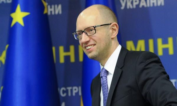 Порошенко иска партията му да подкрепи Яценюк за премиер
