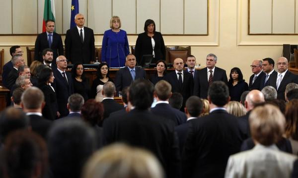 След месец мъки: Имаме кабинет, Борисов отново премиер