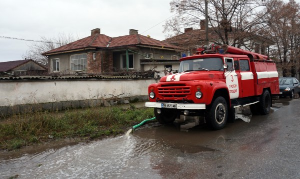 Екипи ще правят обход в Съединение след наводнението