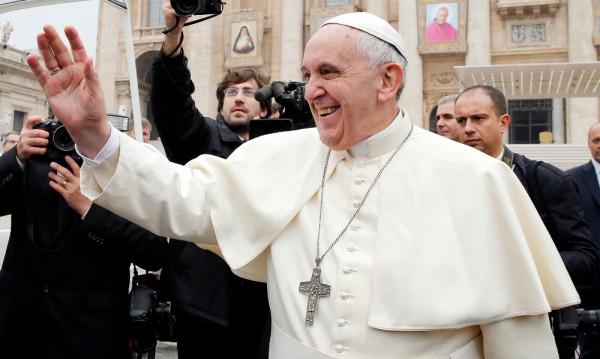 С тактически ходове папа Франциск постига стратегически цели