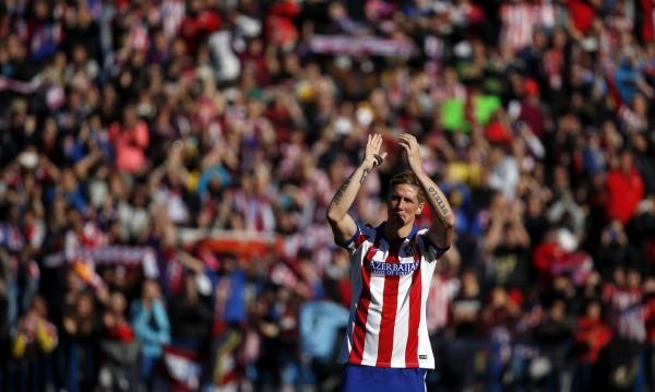 """45 хиляди приветстваха Торес на """"Висенте Калдерон"""""""