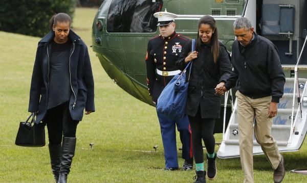 Обама се връща във Вашингтон след почивка на Хаваите
