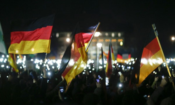 Хиляди германци на контрапротест срещу акции на антиислямисти