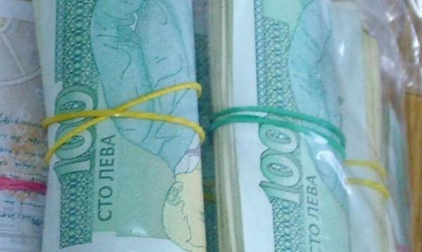 Баба от Варна подари 40 000 лева на ало измамник