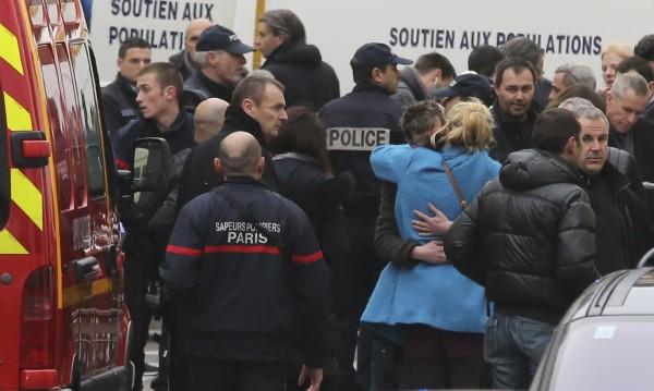 България е съпричастна с болката на френския народ