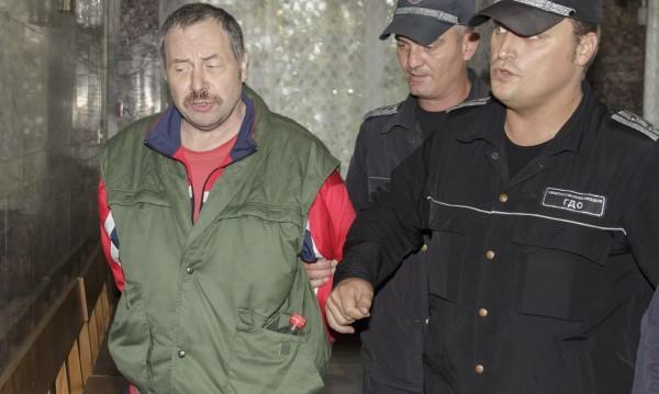 Върнаха делото срещу стрелеца от Лясковец на прокуратурата