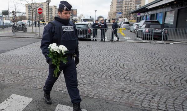 """Полицейски комисар, разследващ атаката срещу """"Шарли ебдо"""", се самоуби"""