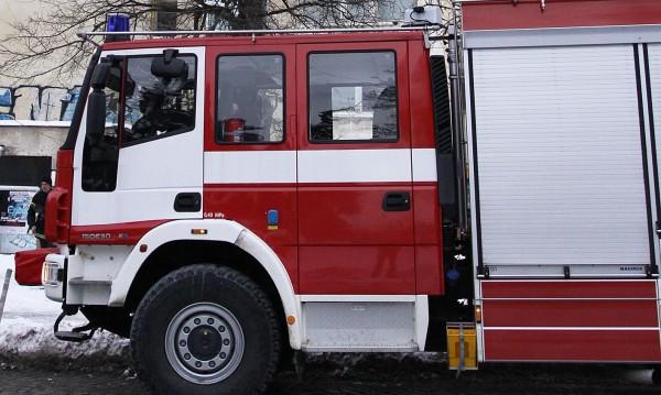 Товарен автомобил се е запалил на пътя София-Варна