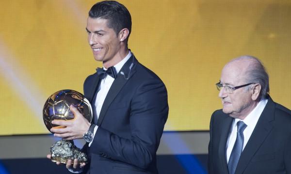 Кристиано Роналдо отново грабна Златната топка