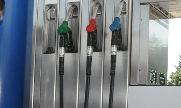 По-евтин бензин не значи по-евтини стоки!