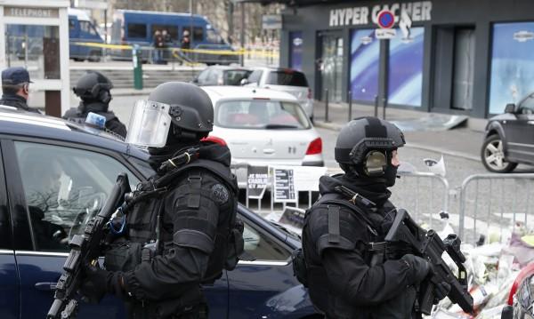 Някои от оръжията за атентатите в Париж дошли от Белгия