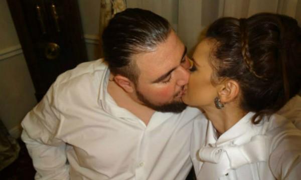 Фолкпевицата Мария сключва граждански брак днес