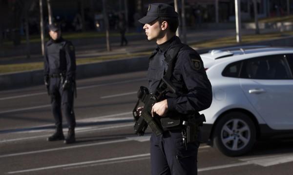 Испания затяга антитерористичните закони след атентатите в Париж