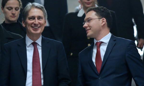 Даниел Митов и Филип Хамънд обсъдиха ескалацията на тероризма