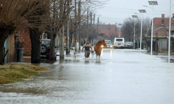 Щетите от наводненията в Николаево – близо половин милион лева