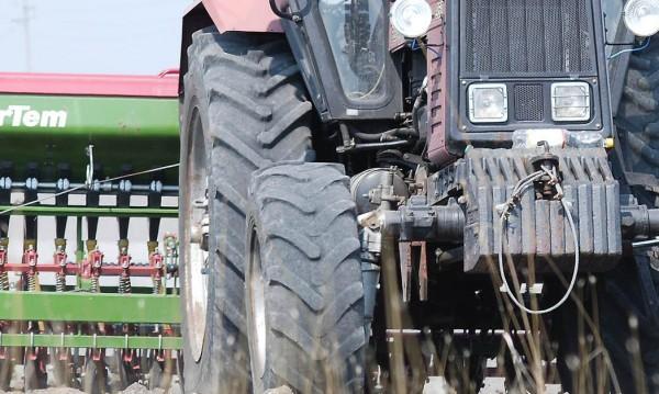 Четирима в ареста в Ботевград, искали откуп за откраднат трактор