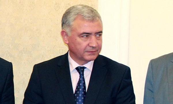 Властта е в паника, Борисов да поеме кризата с бежанците