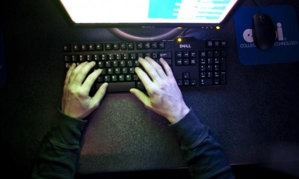 """САЩ хакнали КНДР преди кибератаката срещу """"Сони"""""""