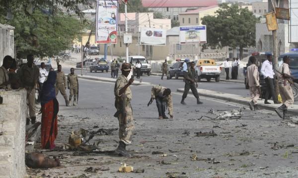 Кола бомба избухна пред хотела на турска делегация в Сомалия