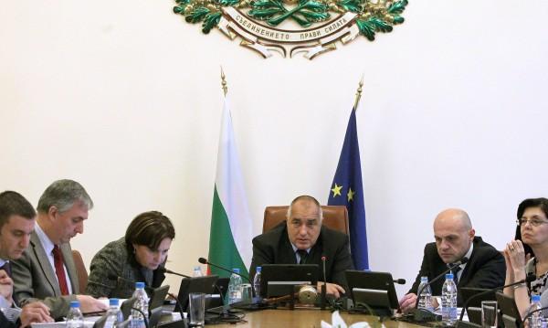 Задълбочаваме диалога със САЩ и поддържаме отношения с Русия