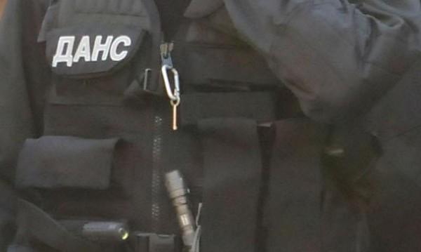 Разбиха цех за фалшив алкохол в недостроена къща в София