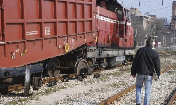 Спипаха трима за кражби на части от товарни вагони на гарата в Сливен