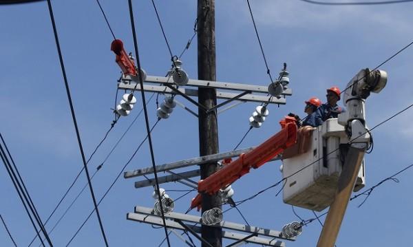 Цената на тока се увеличава, но не от април